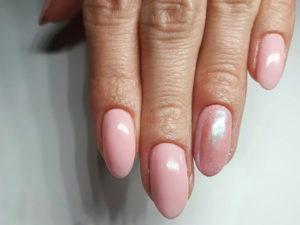 manicure-hybrydowy-1