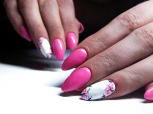 paznokcie-zelowe-przedluzone-na-formie-3